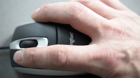 Image of Hand on mouse